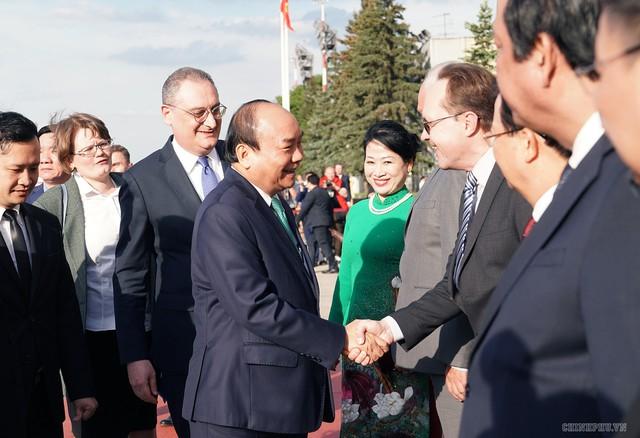 Hình ảnh Lễ đón chính thức Thủ tướng Nguyễn Xuân Phúc tại Thủ đô Moscow (Nga) - Ảnh 5.