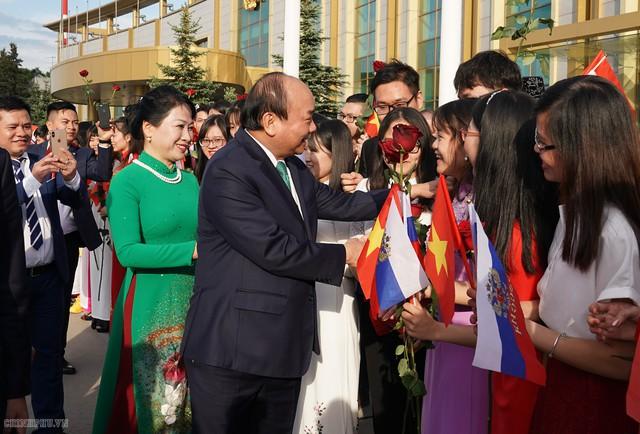 Hình ảnh Lễ đón chính thức Thủ tướng Nguyễn Xuân Phúc tại Thủ đô Moscow (Nga) - Ảnh 8.