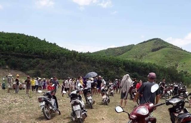 Quảng Bình: Đi tắm sông sau lễ tổng kết, 3 học sinh đuối nước thương tâm - Ảnh 1.