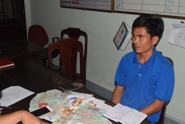 Đánh sập ổ bạc tiền tỷ ở huyện miền núi Thừa Thiên Huế - Ảnh 2.