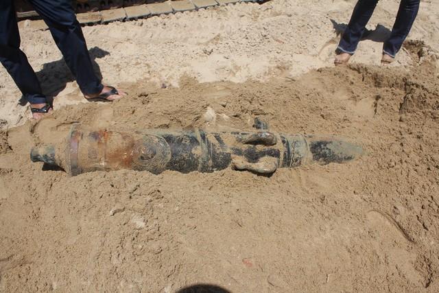 Cận cảnh súng thần công vừa được phát hiện ở Đà Nẵng - Ảnh 1.