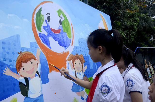 Hoạt động trải nghiệm nghệ thuật Môi trường xanh cho em tại Bảo tàng Mỹ thuật Việt Nam - Ảnh 1.