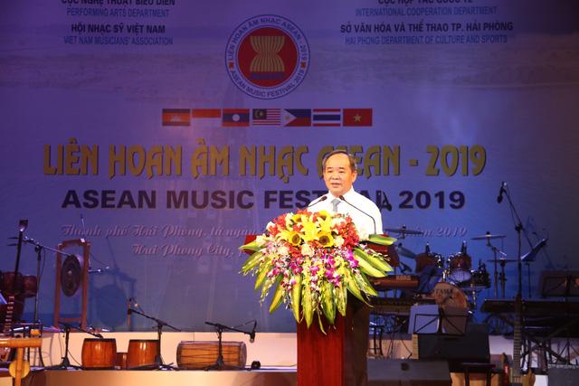 Thứ trưởng Lê Khánh Hải: Liên hoan Âm nhạc ASEAN 2019 là sự kiện văn hóa ý nghĩa, thúc đẩy quan hệ hợp tác giữa các quốc gia trong khu vực - Ảnh 1.