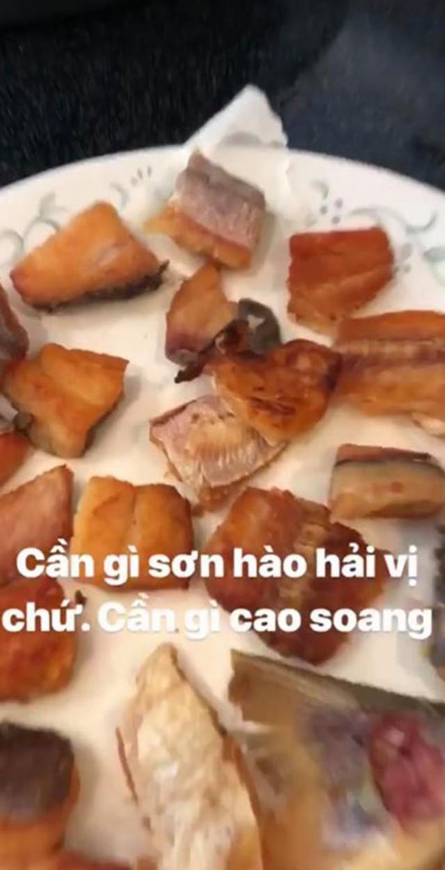 Hoài Linh sang Mỹ thăm con nhưng chỉ nhất quyết ăn món này  - Ảnh 2.