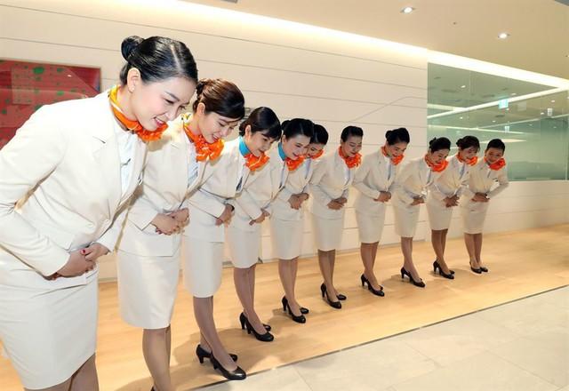 Tại sao hàng không Hàn Quốc liên tục tuyển dụng tiếp viên Việt Nam? - Ảnh 1.