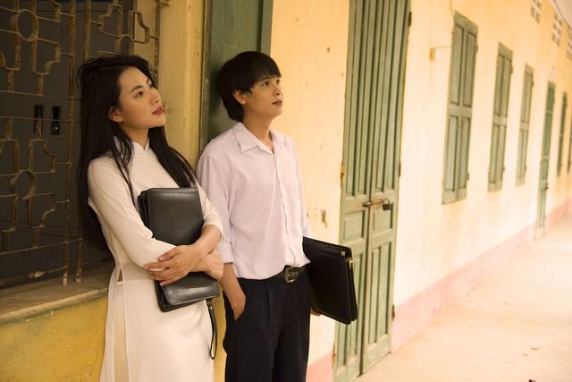 Tháng 5 để dành: Điều gì khiến không ít người tại Pháp, Nhật mua vé máy bay về Việt Nam để thưởng thức bộ phim? - Ảnh 3.