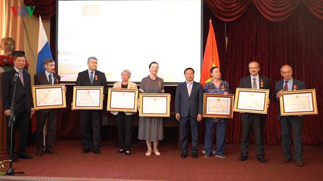 Lễ kỷ niệm 50 năm giữ gìn thi hài Bác Hồ ở Nga - Ảnh 3.