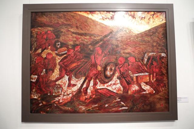 Những bức tranh tái hiện kí ức hào hùng của chiến thắng lịch sử Điện Biên Phủ sau 65 năm - Ảnh 7.