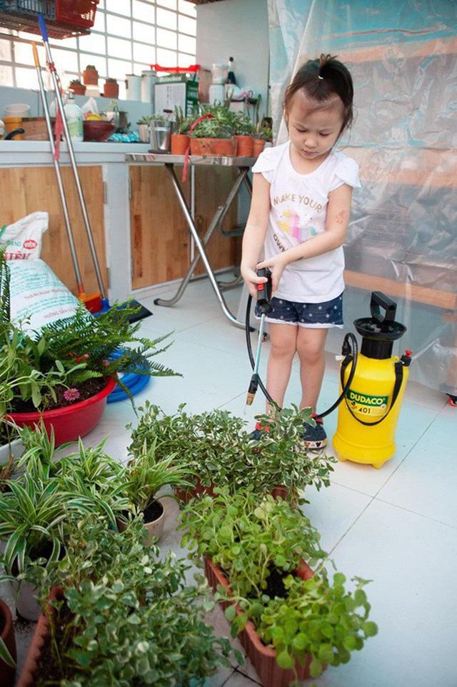 Từ những chậu hoa bị bỏ đi, ca sĩ Phương Vy Idol đã tạo nên khu vườn xanh tốt tại nhà - Ảnh 4.