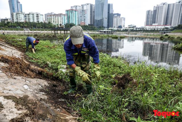 Hà Nội tăng cường công nhân dọn dẹp công viên 300 tỷ  đang bị ô nhiễm nặng - Ảnh 5.