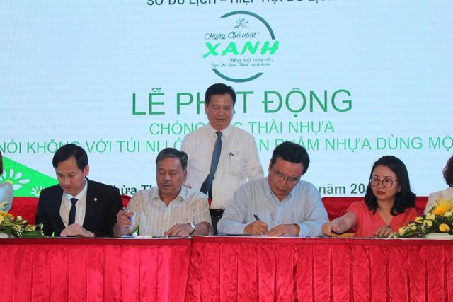 """Ngành du lịch Thừa Thiên Huế phát động phong trào """"Chống rác thải nhựa"""" - Ảnh 1."""
