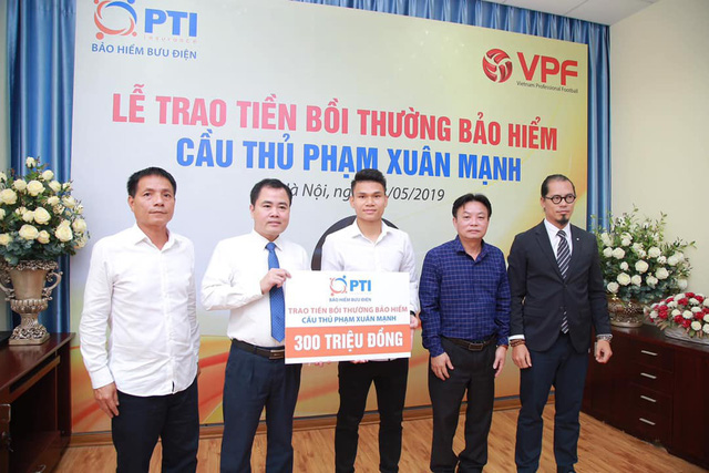 Cầu thủ Phạm Xuân Mạnh được bồi thường 300 triệu đồng - Ảnh 1.
