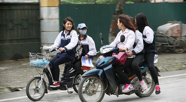 TP. HCM: 61 học sinh bị đề nghị xử lý kỷ luật do vi phạm luật giao thông  - Ảnh 1.