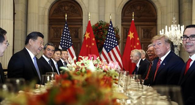 Loạt tín hiệu gay gắt đảo chiều thế trận thương mại Mỹ - Trung? - Ảnh 1.