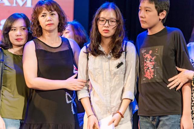 Xúc động đêm diễn gây quỹ từ thiện cho nữ diễn viên Nhà hát kịch Việt Nam tử nạn tại hầm Kim Liên - Ảnh 15.