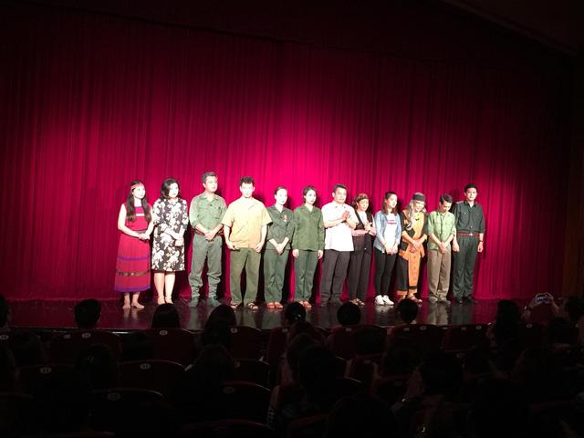 Xúc động đêm diễn gây quỹ từ thiện cho nữ diễn viên Nhà hát kịch Việt Nam tử nạn tại hầm Kim Liên - Ảnh 3.