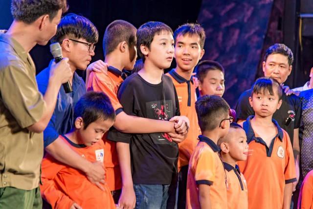 Xúc động đêm diễn gây quỹ từ thiện cho nữ diễn viên Nhà hát kịch Việt Nam tử nạn tại hầm Kim Liên - Ảnh 16.