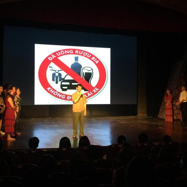 Xúc động đêm diễn gây quỹ từ thiện cho nữ diễn viên Nhà hát kịch Việt Nam tử nạn tại hầm Kim Liên - Ảnh 8.