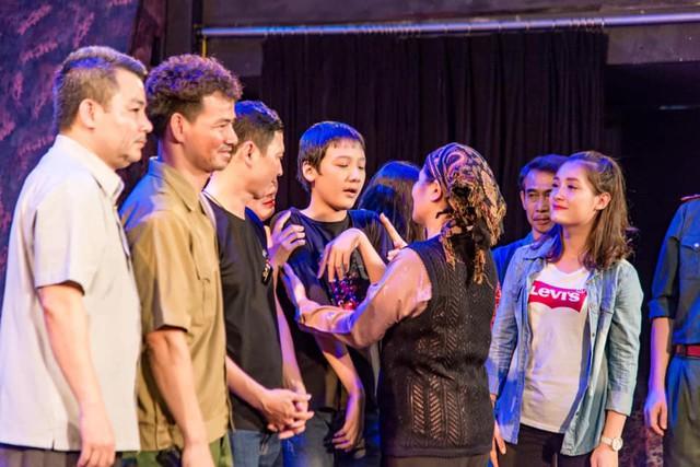 Xúc động đêm diễn gây quỹ từ thiện cho nữ diễn viên Nhà hát kịch Việt Nam tử nạn tại hầm Kim Liên - Ảnh 9.