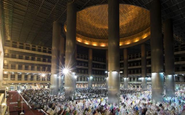 Thế giới Hồi giáo đón tháng lễ Ramadan linh thiêng - Ảnh 1.