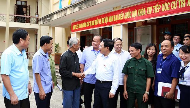 Phó Thủ tướng Phạm Bình Minh tiếp xúc cử tri Thái Nguyên - Ảnh 1.