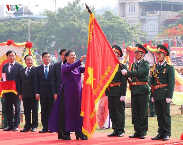 Hình ảnh mít tinh, diễu hành kỷ niệm 65 năm chiến thắng Điện Biên Phủ - Ảnh 6.