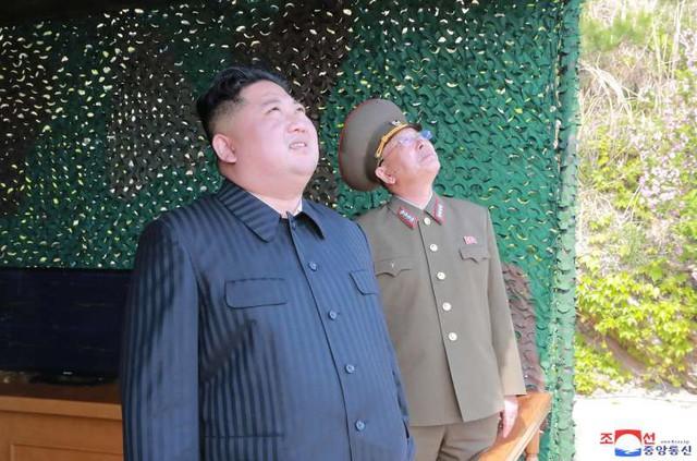 Thực hư sức mạnh tên lửa Triều Tiên mới thử: Tín hiệu tới Mỹ, Hàn? - Ảnh 1.