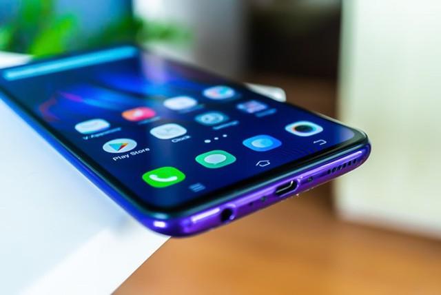 Đề xuất đánh thuế tiêu thụ đặc biệt với điện thoại di động - Ảnh 1.