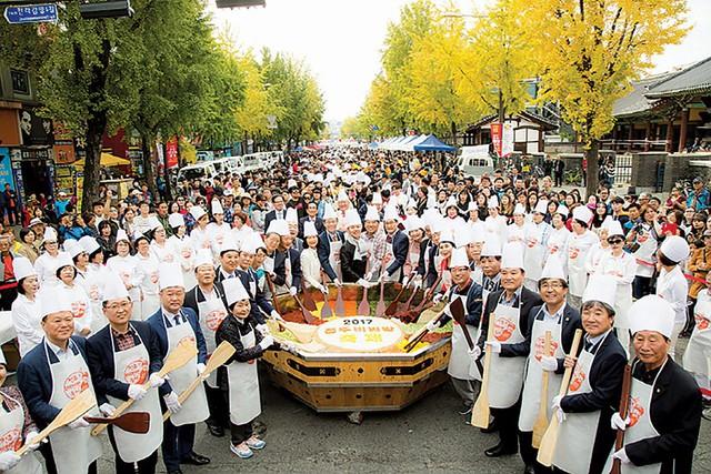 Hàn Quốc: Cách ứng xử trong lễ hội ẩm thực tác động đến ý định quay lại của du khách - Ảnh 1.