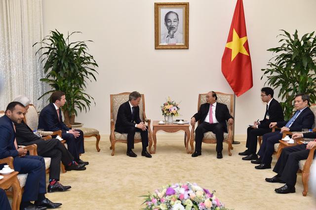 Thủ tướng Nguyễn Xuân Phúc tiếp ông Timothy Geithner, Chủ tịch Quỹ Warburg Pincus - Ảnh 2.