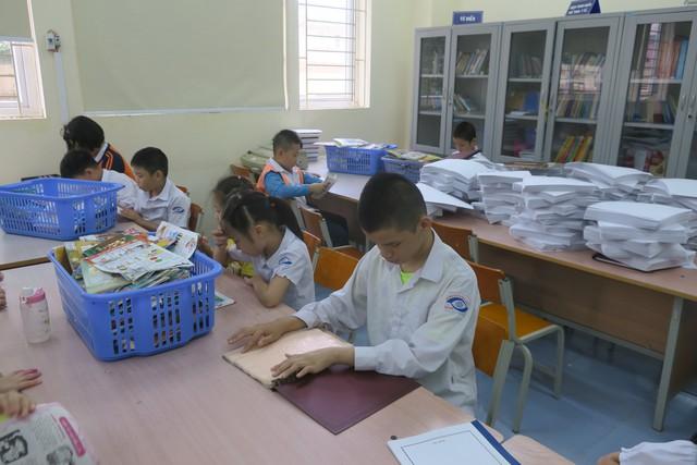Vụ Thư viện trao tặng sách, đĩa cho học sinh trường PTCS Nguyễn Đình Chiểu - Ảnh 6.