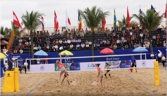 Khai mạc Giải bóng chuyền bãi biển nữ thế giới Tuần Châu - Quảng Ninh 2019 - Ảnh 1.