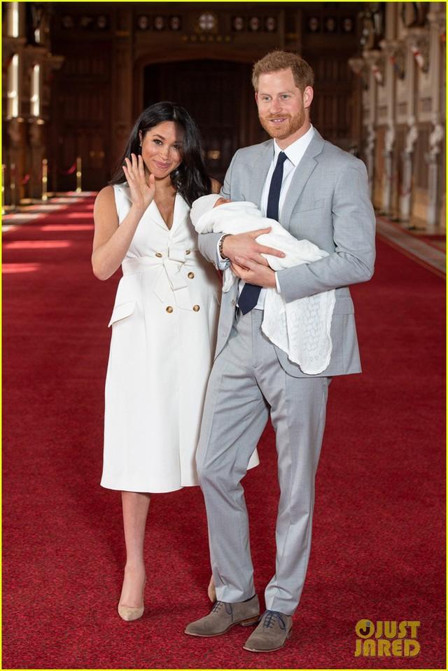 Con trai đầu lòng của Hoàng tử Harry lần đầu lộ diện trước công chúng - Ảnh 5.