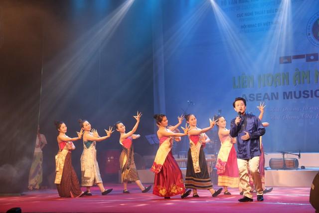 Liên hoan âm nhạc ASEAN trao 12 Huy chương Vàng - Ảnh 2.