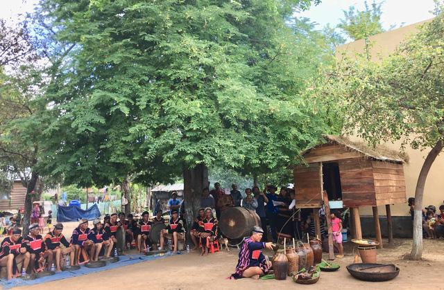 Phục dựng lễ mừng lúa mới của đồng bào dân tộc Jrai, Gia Lai - Ảnh 1.