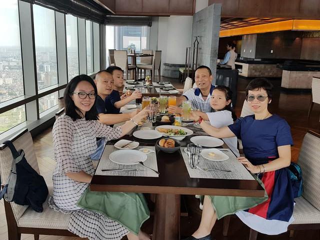 MC Lại Văn Sâm hiếm hoi khoe ảnh vợ con - Ảnh 1.