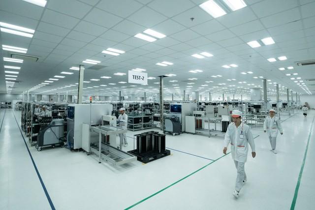 Vingroup động thổ Nhà máy điện thoại thông minh công suất 125 triệu máy/ năm - Ảnh 1.