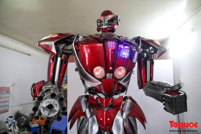 Chiêm ngưỡng Robot Siêu to, khổng lồ được chế tạo từ rác thải nhựa - Ảnh 10.