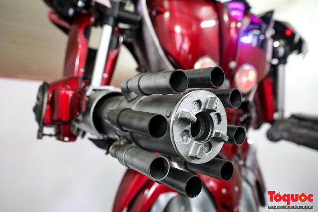 Chiêm ngưỡng Robot Siêu to, khổng lồ được chế tạo từ rác thải nhựa - Ảnh 7.