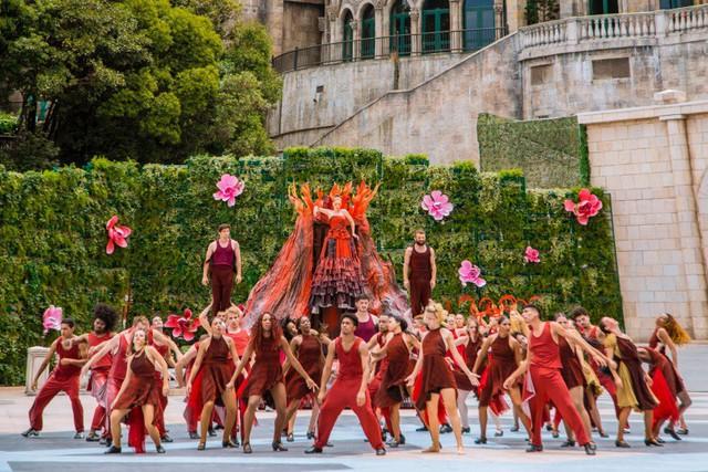 Vũ hội Ánh Dương - bữa tiệc thời trang hoành tráng trên đỉnh Bà Nà - Ảnh 12.