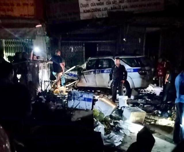 Tài xế lái xe CSGT ở Bình Dương có dấu hiệu dùng rượu bia khi gây tai nạn khiến 1 người tử vong - Ảnh 2.