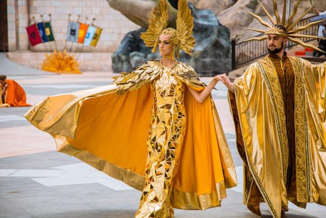 Vũ hội Ánh Dương - bữa tiệc thời trang hoành tráng trên đỉnh Bà Nà - Ảnh 3.