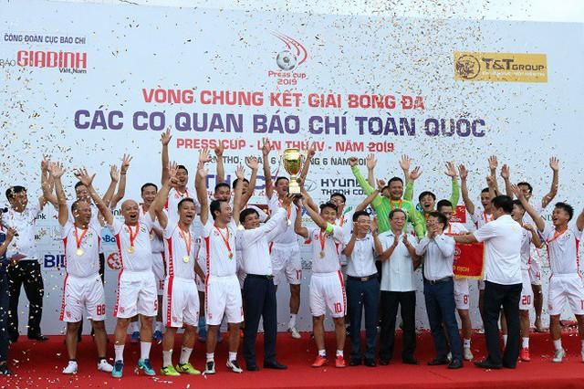 Press Cup 2019: Đài truyền hình Việt Nam xưng vương sau chiến thắng trước Tuổi trẻ Thủ đô - Ảnh 2.