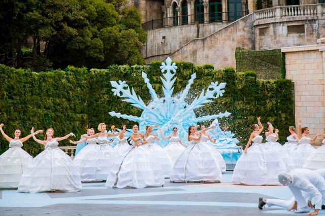 Vũ hội Ánh Dương - bữa tiệc thời trang hoành tráng trên đỉnh Bà Nà - Ảnh 8.