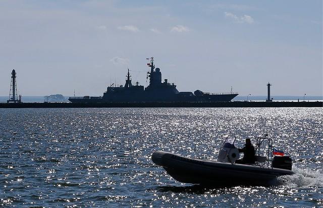 Mười hai ngày quân lực NATO đổ bộ Baltic: Nga dồn loạt khí tài hạng nặng sát sao - Ảnh 1.