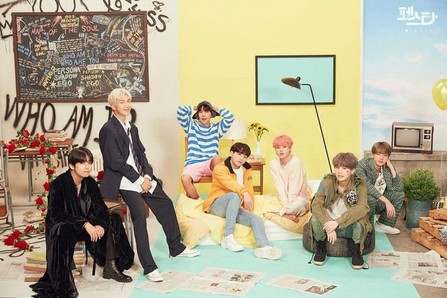 BTS thả thính người hâm mộ bằng những bức hình không thể không đốn tim - Ảnh 9.
