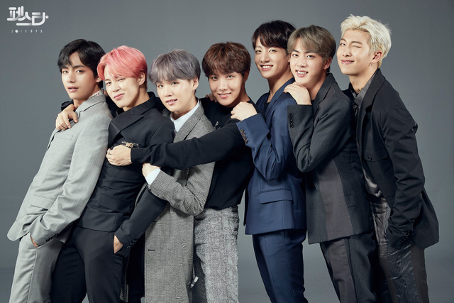 BTS thả thính người hâm mộ bằng những bức hình không thể không đốn tim - Ảnh 6.