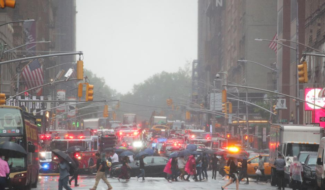 Giải mã bí ẩn vụ tai nạn trực thăng lao vào nhà chọc trời tại New York - Ảnh 2.