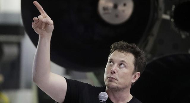 CEO Tesla hé lộ mẫu xe tàu ngầm giống siêu phẩm 007 và điệp viên Nga từng sử dụng - Ảnh 1.