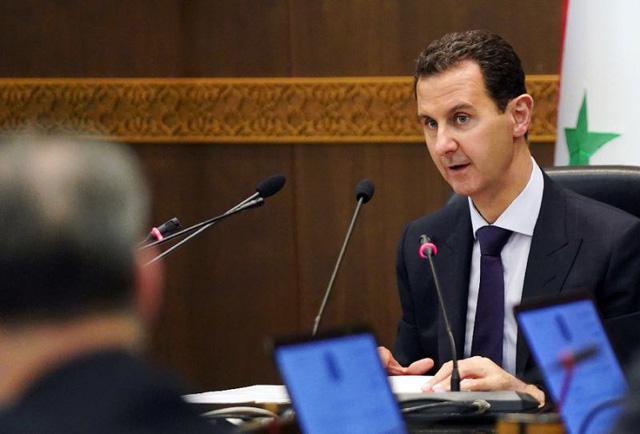 Xung đột Syria chưa lắng: Mỹ bất ngờ tung đòn mạnh vào tài phiệt thân cận với ông Assad - Ảnh 1.